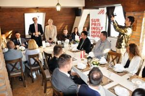 "Trgovinski savjetnik austrijske ambasade Philippe Kupfer i Sparkasse Bank organizovali su ""Austrien Bussines Circle"" na Babinom brdu u Derventi."